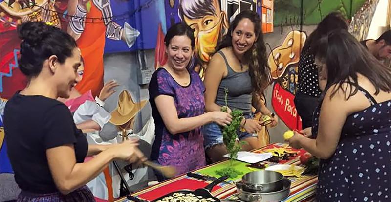 Mujeres De Maiz